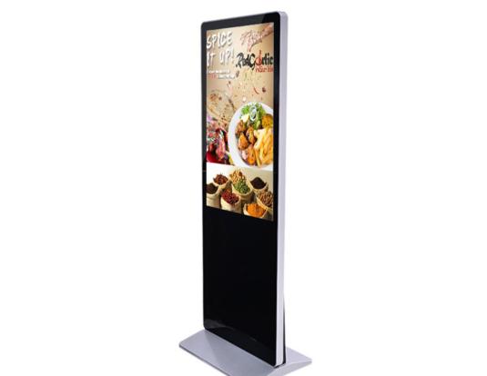 Hiệu quả của màn hình quảng cáo điện tử so với standee và banner truyền thống